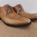革靴の色褪せは、色補正で直せます