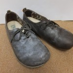 カビが生えている革靴をクレンジングしました。