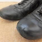 傷がついた革靴を補修しました。