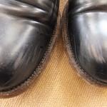 革靴のつま先、色とれてませんか?