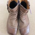 靴・カバン、バッグ・財布のメンテナンス方法。水洗いできます。